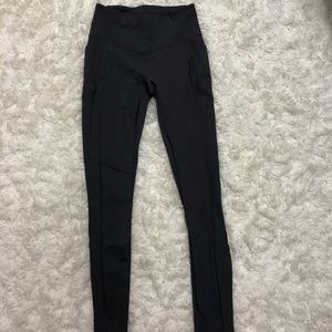 Lululemon grey yoga pants with pockets || size 6